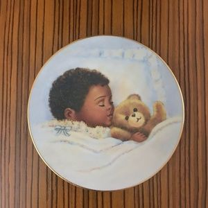 Vintage Avon 1992 Baby Keepsake Decorative Plate